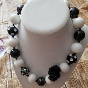 New Bubble Gum Bead Necklace Black White